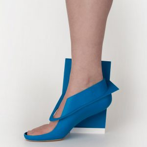 Blue-panel-shoe_Marloes-ten-Bhomer_design_dezeen_936_0